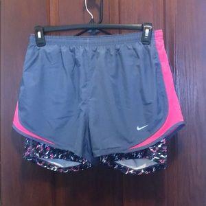 NIKE - Running Shorts